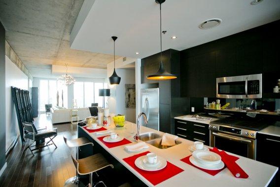La d mocratisation du penthouse danielle bonneau for Cuisine ouverte tard
