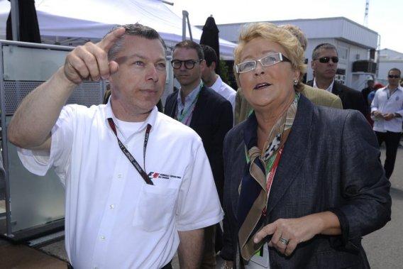 Pauline Marois a visité les installations du Grand Prix du Canada dimanche matin, guidée par le président et promoteur de l'épreuve, François Dumontier.