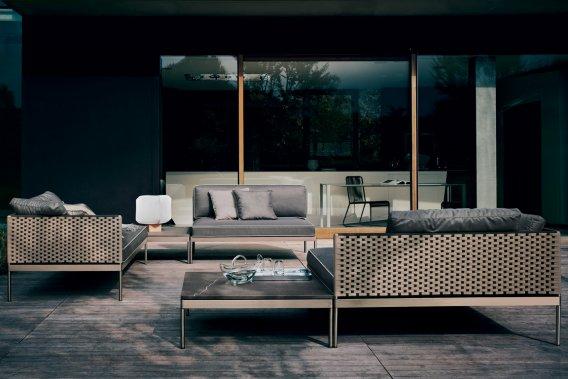 Canapé en acier inoxydable, Roda, à partir de 5000$ chez Jardin de ville (Photo fournie par Jardin de ville)