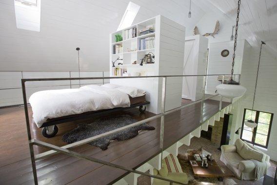 Une vue de la mezzanine, dont la structure est indépendante de la maison. (Photo David Boily, La Presse)