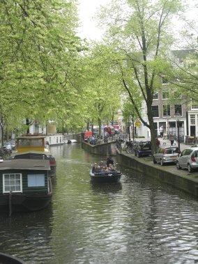 Une promenade au fil de l'eau est une façon reposante et fort agréable de découvrir la ville. (Photo Andrée LeBel, La Presse)