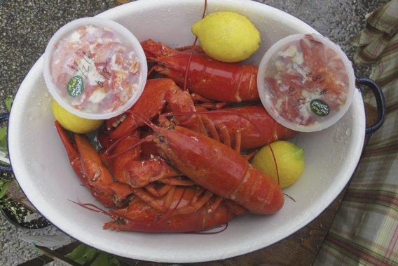 Un plat de homards présenté au marché des fermiers de Kennebunkport. (Photo Émilie Bilodeau, La Presse)