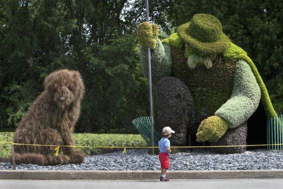 e public sera émerveillé par les créations des employés des Mosaïcultures de Montréal, dont l'œuvre L'homme qui plantait des arbres. (Photo Robert Skinner, La Presse)