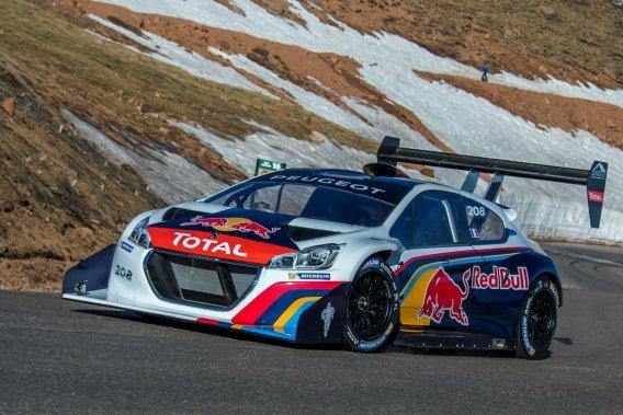 Le FrançaisSebastien Loeb est devenu le premier pilote (toutes catégories confondues) à passer sous la barre des neuf minutes sur la montée de 20 km.