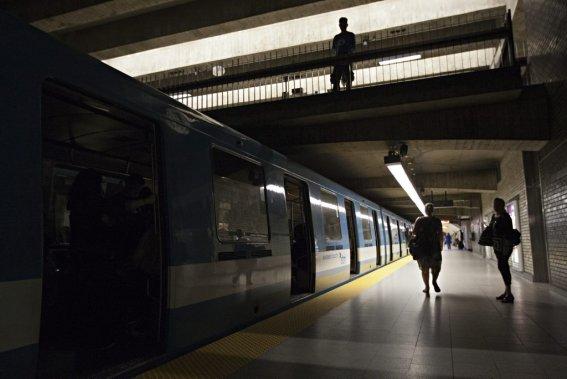 La panne d'électricité a touché le métro en pleine heure de pointe. (PHOTO ANNE GAUTHIER, LA PRESSE)