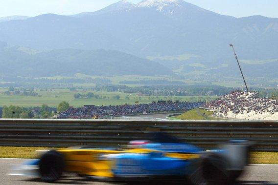 L'Autriche retrouvera son Grand Prix en 2014. La Russie accueillera aussi une épreuve alors que les États-Unis seront les hôtes d'une course au New Jersey. Ces trois additions au calendrier 2014 se feront au détriment de l'Inde et de la Corée du Sud. Sur la photo, Fernando Alonso à Spielberg, en Autriche, en 2003.