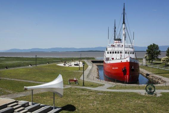Canada – Un voyage de Québec vers la Gaspésie a travers les paroisses au 19 eme siècle 727745-musee-maritime-quebec