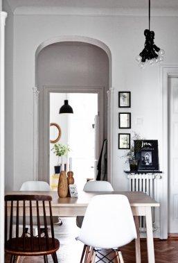 Le couple habite en plein centre de Malmö en Suède, dans un vieil immeuble du début des années 1900. Geneviève Labbé a su le rénover et y faire entrer la lumière. (Photo Andrea Papini)