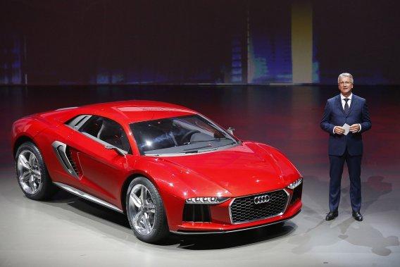 Le PDG d'Audi, Rupert Stadler, fait le présentation de la Nanuk.