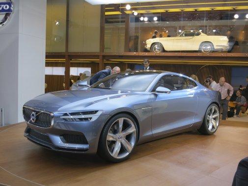 Le constructeur suédois Volvo a profité du Salon de Francfort pour y dévoiler ce prototype de coupé sportif, presque le successeur de la légendaire P-1800 (Photo Éric Descarries, collaboration spéciale)