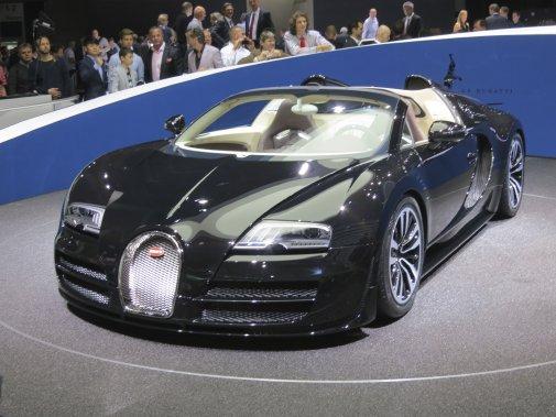 La division Bugatti du Groupe Volkswagen a levé le voile sur un tout nouveau modèle de voiture exotique baptisé du nom de Jean Bugatti, le fils d'Ettore Bugatti qui s'est tué dans un accident de voiture en voulant éviter un cycliste il y a de nombreuses années. (Photo Éric Descarries, collaboration spéciale)