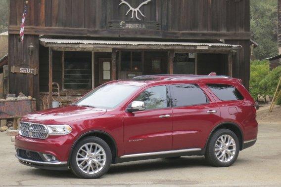 Le Dodge Durango 2014 affiche un avant légèrement retouché et sa boîte de vitesses automatique est maintenant à huit rapports.
