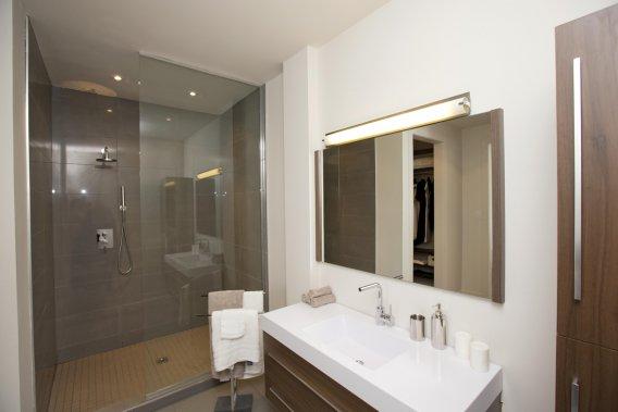 lumi re condominiums que la lumi re entre danielle bonneau projets immobiliers. Black Bedroom Furniture Sets. Home Design Ideas