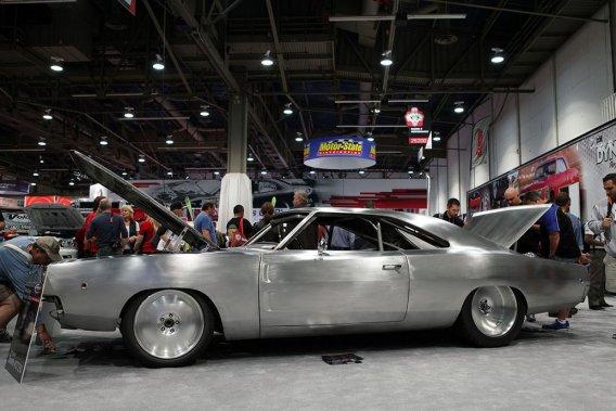Cette Charger 1968 développe pas moins de 2000 chevaux extirpés d'un immense V8 de 9,4 litres.