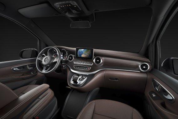 Mercedes a dévoilé récemment l'intérieur de cette «minivan» qui se veut confortable et très haut de gamme.