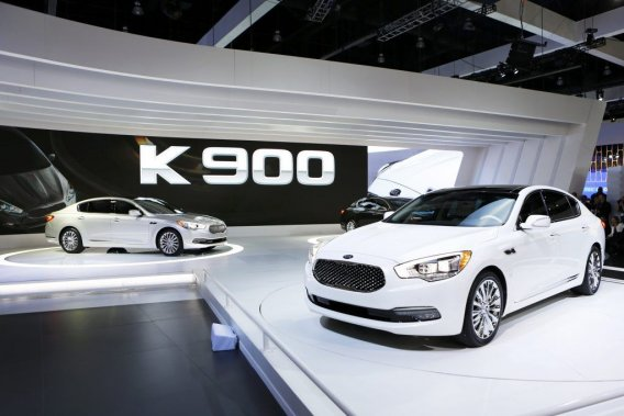 La Kia K 900, premier modèle de luxe à propulsion commercialisé par Kia en Amérique du Nord.