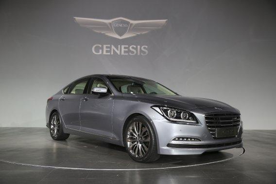 La présente Genesis berline a un problème d'identité. Hyundai passe par le style pour bien camper cette refonte.