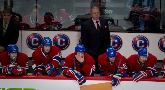 Les visages étaient longs sur le banc du Canadien. (André Pichette, La Presse)