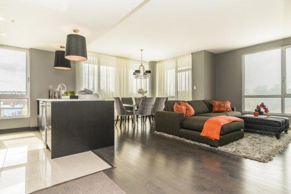Cet appartement de 1240 pi2, très éclairé, compte deux chambres et deux salles de bains. (Photo fournie par le Groupe MONSAP)