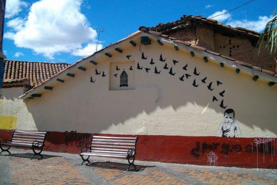 Au-delà des banals tags, de véritables œuvres d'art ornent de très nombreux murs de Bogotá. (VALÉRIE LESSARD, LeDroit)