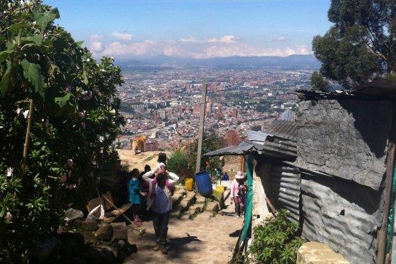 La montée du Monserrate permet un coup d'œil spectaculaire sur l'étendue de la capitale colombienne. (VALÉRIE LESSARD, LeDroit)