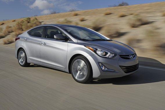 Hyundai a retouché sa Elantra pour 2014.