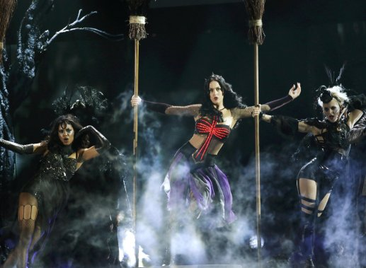 Katy Perry a chanté Dark Horse. (Photo MARIO ANZUONI, Reuters)