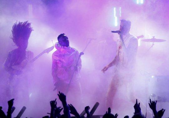 Performance endiablée de Kendrick Lamar et Imagine Dragons. (Photo MARIO ANZUONI, Reuters)