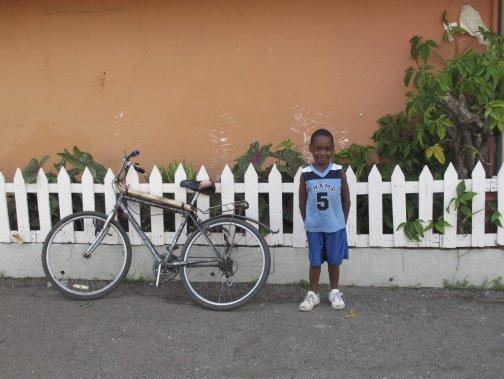 Scène de rue à Kingston. (Photo Violaine Ballivy, La Presse)