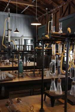 La visite de l'ancienne résidence de Thomas Edison permet de se familiariser avec les multiples inventions de l'homme et ouvre les portes de son laboratoire. (PHOTO MARIE-EVE MORASSE, LA PRESSE)