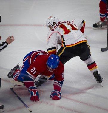 Lars Eller a été puni 2 minutes sur ce jeu. Les Flames ont bénéficié d'un 5 contre 3, mais n'ont pas su en tirer avantage. (André Pichette, La Presse)