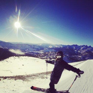 «Le 6 décembre dernier, j'ai déménagé à Mammoth Lakes où j'ai recommencé à skier. Cette photo a été prise trois jours plus tard, ma première journée sur la neige.» ()