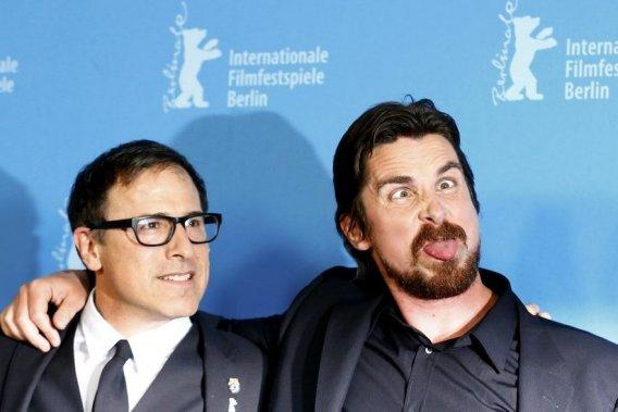 Vendredi 7 février : Le réalisateur David O. Russell et l'acteur Christian Bale sont venus à la Berlinale pour faire la promotion de «American Hustle». (Photo: Reuters)