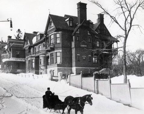 La maison Redpath à ses beaux jours. (Archives La Presse)