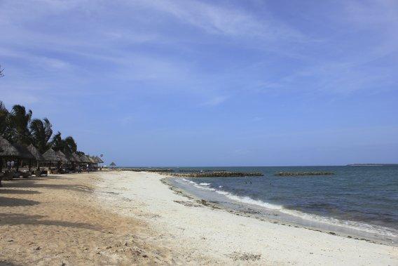 La plage du White Sands Hotel, dans le secteur de Kunduchi. (PHOTO ÉMILIE CLAVEL, COLLABORATION SPÉCIALE)
