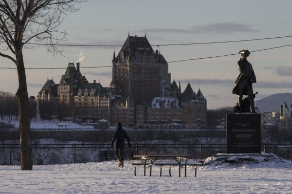 Depuis la terrasse de Lévis, on peut admirer le Château Frontenac et le Vieux-Québec. (Photo Hugo-Sébastien Aubert, La Presse)