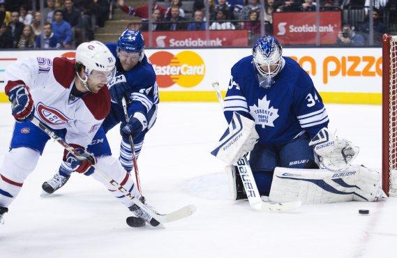 James Reimer bloque un tir de David Desharnais. (Photo Nathan Denette, La Presse Canadienne)