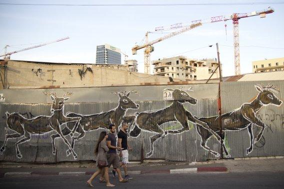 Partout à Tel-Aviv, des graffiteurs laissent leurs marques sur les murs. (Photo Simon Coutu, collaboration spéciale)