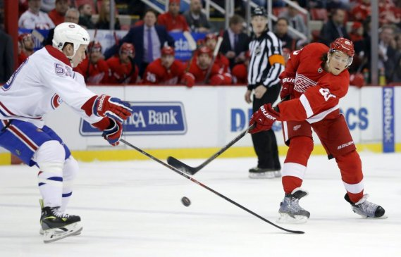 Danny DeKeyser face à Ryan White. (Photo AP)