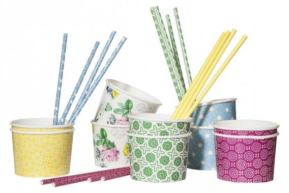 Collection d'accessoires de fête Poppytalk. Coupes à dessert 3$ pour 10. Pailles 3$ pour 20. (Photo fournie par Target Canada)