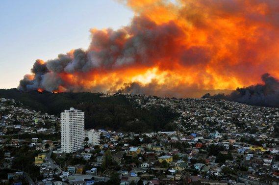 Valparaiso, ville inscrite en 2003 par l'Unesco au patrimoine de l'humanité, est visitée chaque année par des milliers de touristes chiliens et étrangers. (PHOTO ALBERTO MIRANDA, AFP)