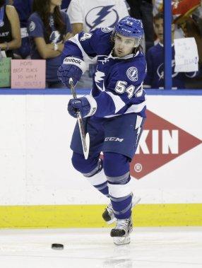 Cédric Paquette a fait ses débuts en séries de la LNH avec le Lightning. (AP)