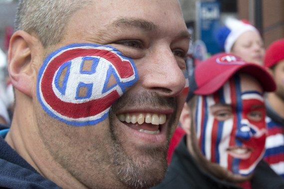 Des partisans du Canadien avant le match. (Photo Robert Skinner, La Presse)