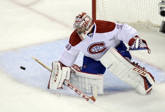 Carey Price bloque un tir avec son bouclier. (Photo Bernard Brault, La Presse)