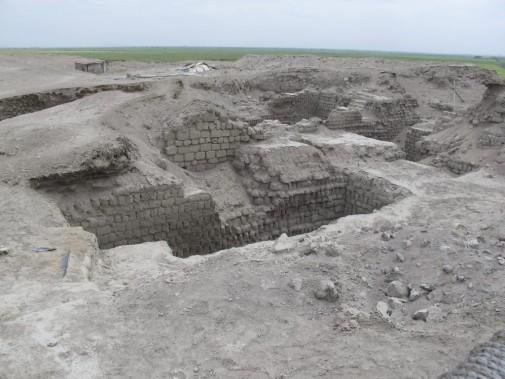 La particularité du site El Brujo, c'est qu'il a été occupé pendant près de 7000 ans. La preuve, on y a découvert les ruines d'une église catholique. (Nathaëlle Morissette, La Presse)