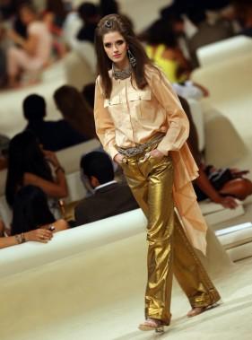 C'est dans un décor inspiré des Mille et une nuits, que Karl Lagerfeld a choisi de présenter mardi soir la collection Croisière de Chanel 2014-2015. (Photo MARWAN NAAMANI, AFP)