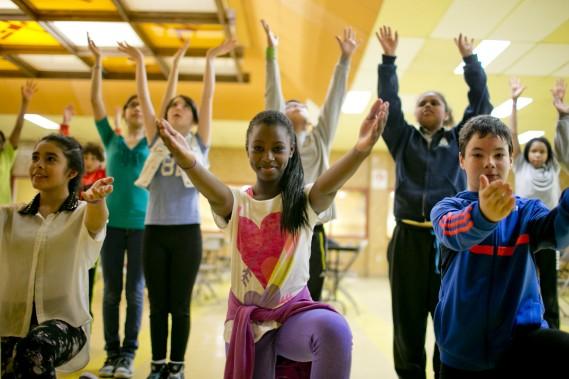 Les danseurs ont appris diverses chorégraphies plutôt complexes. Ils dansent au son d'une musique écrite par des étudiants en composition de l'Université de Montréal. (Photo: David Boily, La Presse)