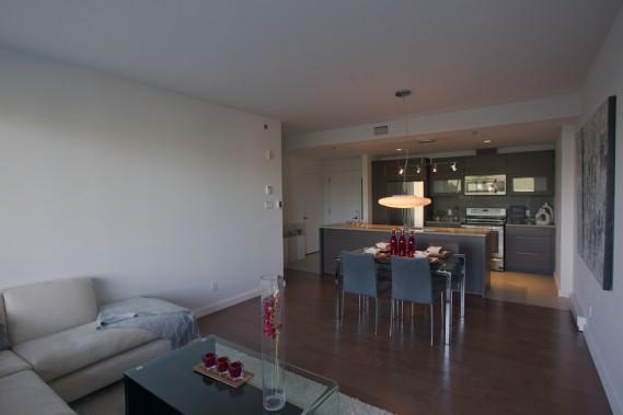 Ce condo de deux chambres est le moins spacieux encore à vendre. D'une superficie de 1048 pi2, il coûte 312 877$ (taxes et un stationnement extérieur inclus). (Photo Olivier Jean, La Presse)