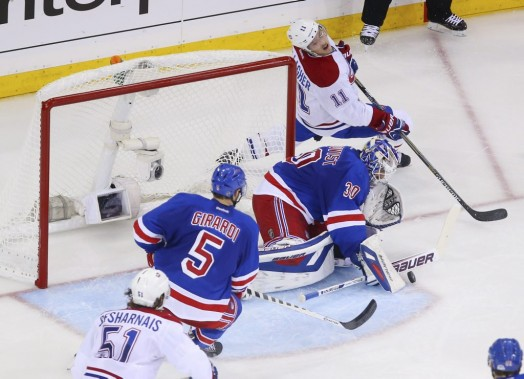 Lundqvist effectue un arrêt. (Photo USA TODAY Sports)
