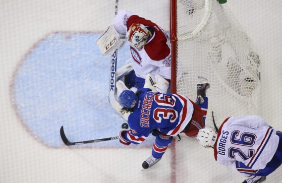 Mats Zuccarello cherche la faille. (Photo USA TODAY Sports)
